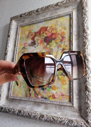 Эксклюзивные брендовые солнцезащитные женские очки в черепаховой оправе 20213 фото
