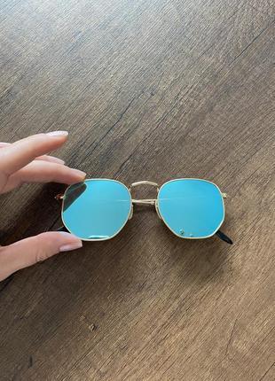 Очки ray ban актуальная модель цветные зелёные голубые стёкла яркие