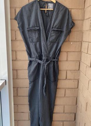 Фирменный женский комбинезон со штанами под пояс