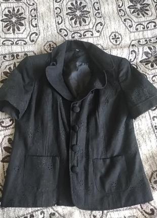 Льняной пиджак с коротким рукавом