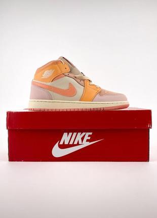 Новые женские кроссовки кеды высокие nike air jordan 1 retro rose orange кожаные найк оранжевые