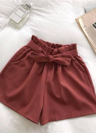 Бордовые шорты тканевые новые по большой скидке низкая цена