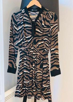 Шикарное легкое платье zara