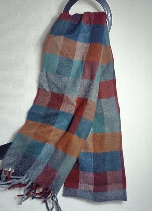 Шарф в клетку . теплый и мягкий шарф .