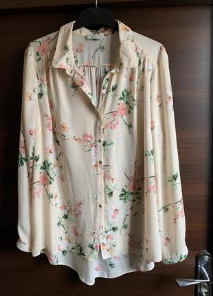 Нежная блузочка в цветочный принт