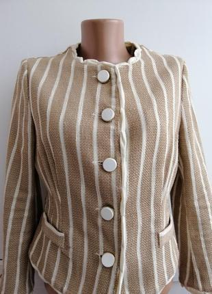 Качественный брендовый пиджак paola prata из италии на пуговичках бежевого цвета