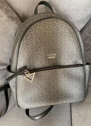 Кожаный рюкзак guess