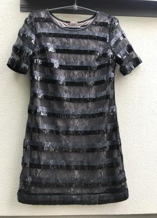 Чёоное маленькое мини платье в паетки