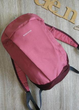 Небольшой рюкзак quechua для туризма/ прогулок