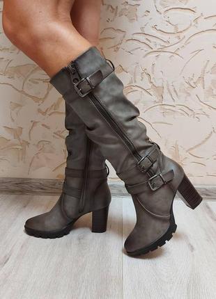 Жіночі чоботи сапоги средний каблук демисезон