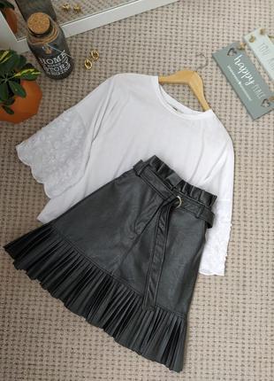 Крутая черная юбка под поясок из кожзама new look