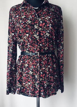 Стильная рубашка из вискозы в цветочный принт
