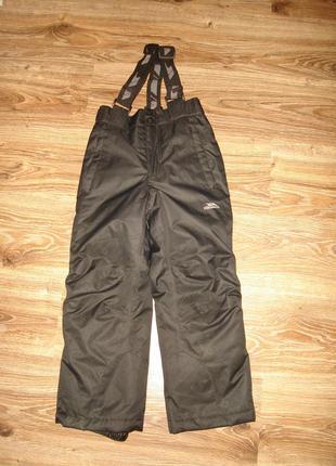 Теплые брюки, полукомбинезон trespass на 5-6 лет  водонепроницаемый, ветронепродуваемый