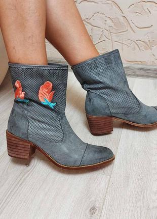 Новые невероятно красивые ботинки демисезон 38 рр италия