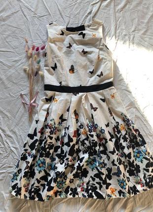 Шикарное платье сарафан с бабочками интересный принт в стиле винтаж