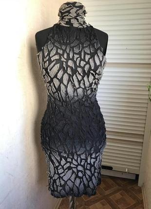 Эксклюзивное платье с открытой спинкой