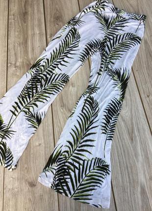 Стильные актуальные штаны брюки h&m zara asos maison scotch тренд пальмы клёш