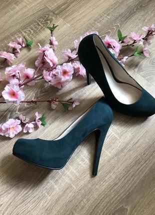 Туфли женские на высоком каблуке стильные