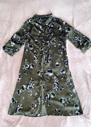 Шелковое платье в цветочный принт, сукня