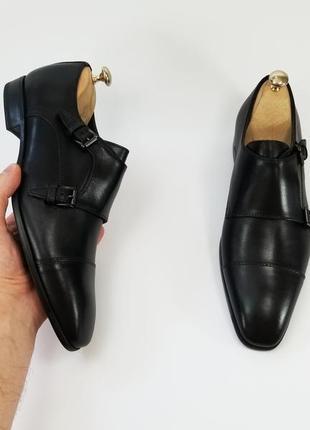 Чорні шкіряні туфлі монки