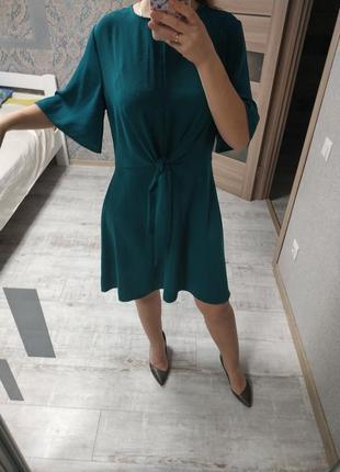 Стильное легкое актуальное платье миди с завязками