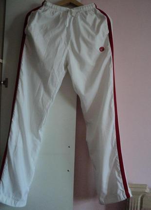 Трендовые белые спортивные брюки с лампасами nike-оригинал