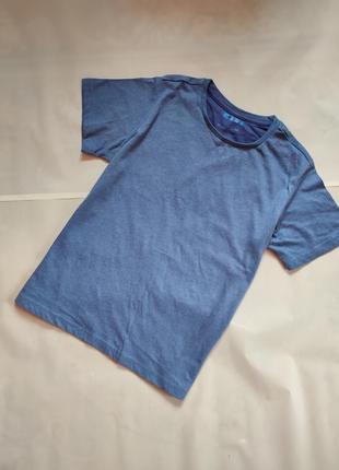Класна легенька футболка для підлітків