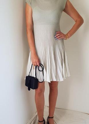 Стильное платье emporio armani, италия