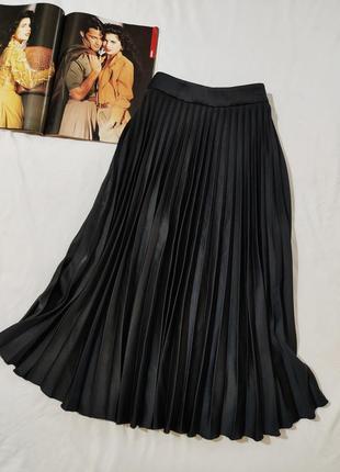 H&m черная плиссированная юбка миди  eur 36