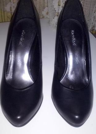 Туфли кожаные фирма graceland с германии.