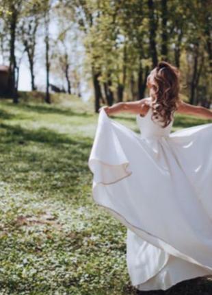 Классическое свадебное платье королевский атлас