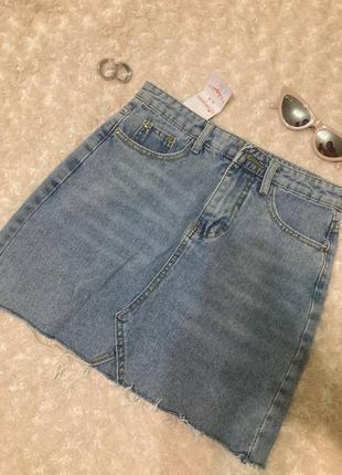 Синяя джинсовая мини юбка