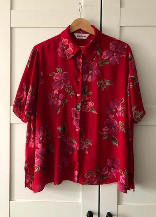 Блузка женская свободная из жатой вискозы / бордовая в цветы