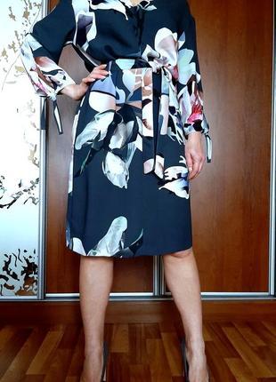 Красивейшее графитовое платье-кимоно в цветочный принт