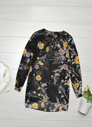 Красива блуза в квітковий принт m&s.