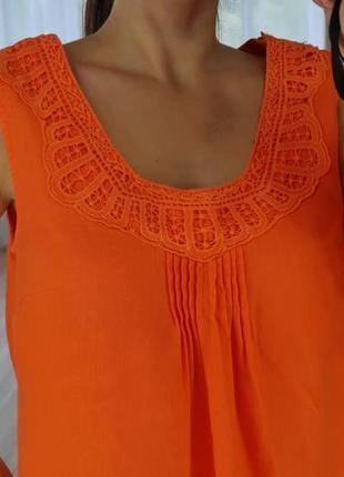 Льняное яркое платье