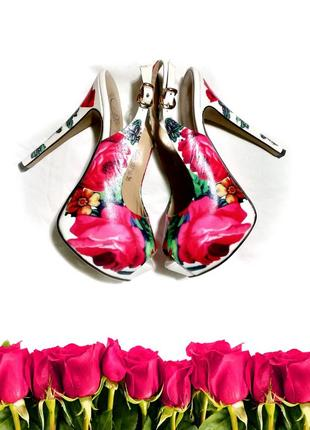 Натуральные кожаные босоножки с цветами на шпильке 23см