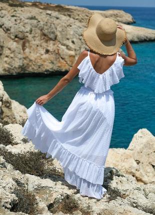 Біла літня сукня