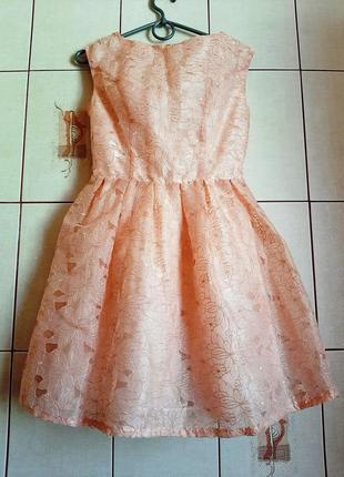 Красивейшее персиковое платье и кружева
