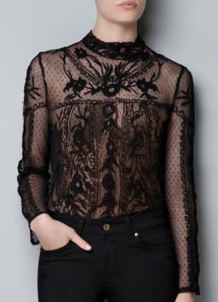 Потрясающая блуза сеточка с вышитыми деталями из ткани плюмети от zara  1+1=3 на всё 🎁