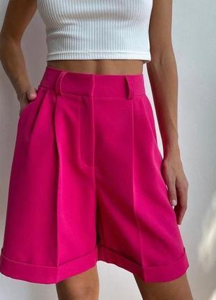 Малиновые шорты креп
