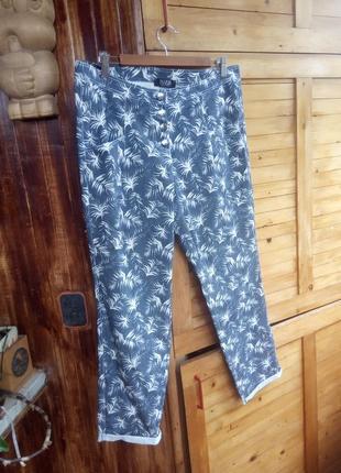 Штани з пальмами, укорочені легкі джинси tuzzi
