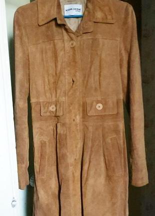 Итальянское натуральное замшевое утепленное пальто -френч.10.  44, m