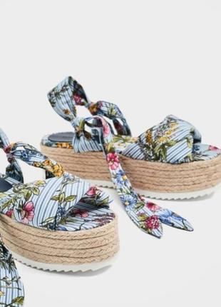 Zara босоножки на плетенной платформе