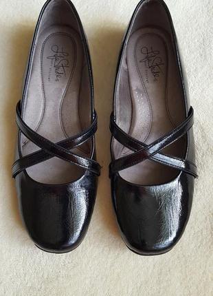Туфли, балетки, мокасины.