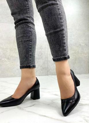 Женские туфли на устойчивом каблуке натуральная кожа черные nel 32 фото