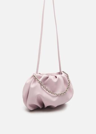 Красивая пудровая сумка