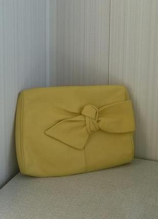 Итальянский кожаный жёлтый клатч сasadei