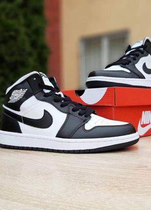 Кроссовки nike air jordan 1 retro high, белые с черным, 20250