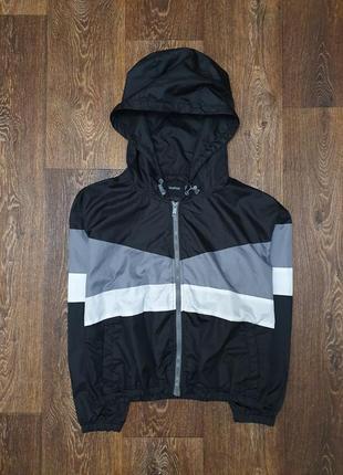 Стильная укороченная куртка ветровка boohoo